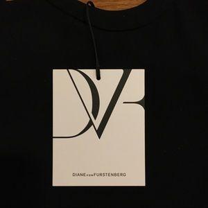 Diane Von Furstenberg Tops - New with tags Diane Von Furstenberg silk tank, 8